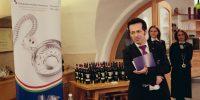Raffaele Fischetti Presidente della Fondazione Italiana Sommelier Trentino Alto Adige presenta la degustazione